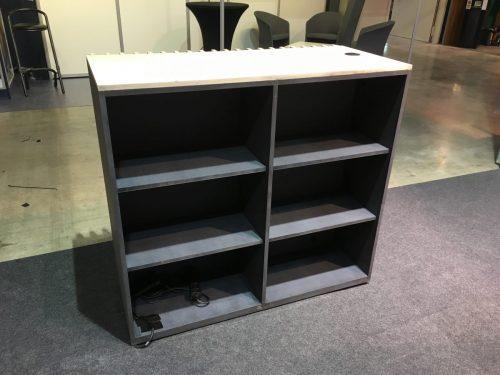 Desk d'accueil en bois à louer