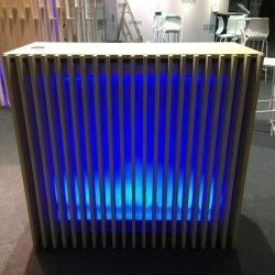Desk d'accueil en bois à louer - mobilier lumineux en location
