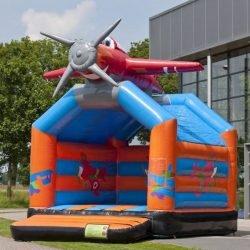 Château gonflable avion en location