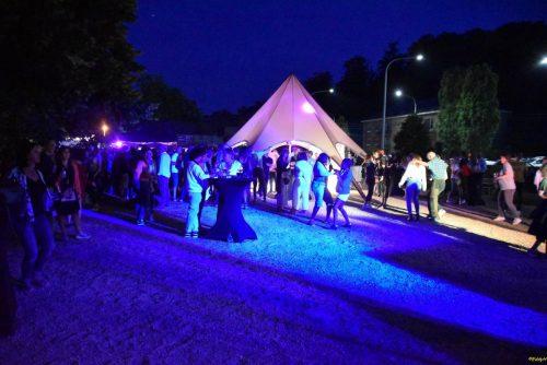 location tente etoile - tente reception couleur taupe - 10 m diamètre